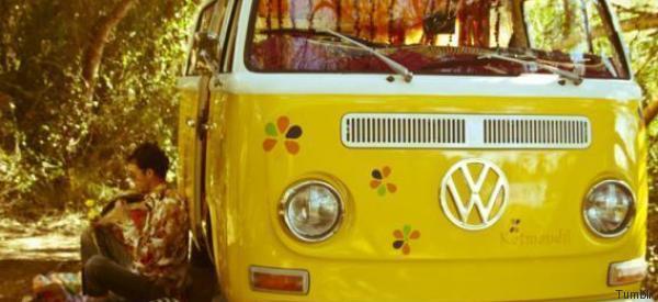 Rivive il furgoncino della Volkswagen. Con una novità che fa felici i figli dei fiori