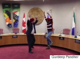 Whitehorse Mayor Calls Bhangra Lesson 'Coolest Thing' He's Been Asked To Do