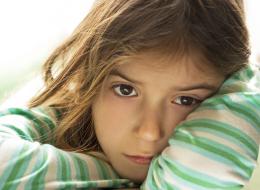 هل يعاني ابنك من فرط الحركة أو فقدان الشهية؟.. 13 علامة تدل على مشاكل نفسية لدى طفلك