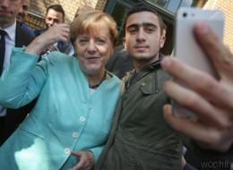 Er machte ein Selfie mit Merkel: Flüchtling zieht nun wegen Foto vor Gericht