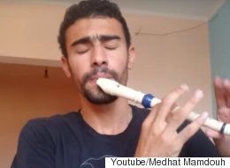 리코더를 불며 완벽한 비트박스를 하는 남자(영상)