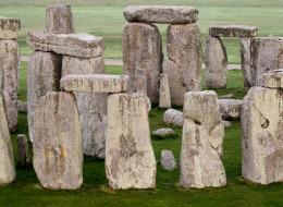 لماذا تعد هذه الأحجار البريطانية إحدى عجائب الدنيا؟.. رحلة قصيرة إلى