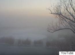 Η παγωμένη λίμνη των Ιωαννίνων θυμίζει σκηνικό από σκανδιναβική ταινία μυστηρίου
