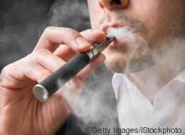 Come e perché smettere di fumare le sigarette elettroniche (secondo la scienza)