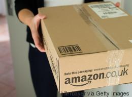 Als eine Frau diese unheimliche Botschaft in einem Amazon-Paket findet, rastet sie aus