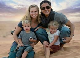 استقال من سناب شات وباع ممتلكاته لهذه المغامرة.. زوجان يأخذان طفلتيهما في رحلة حول العالم.. نجحا في كسب المال من السفر!