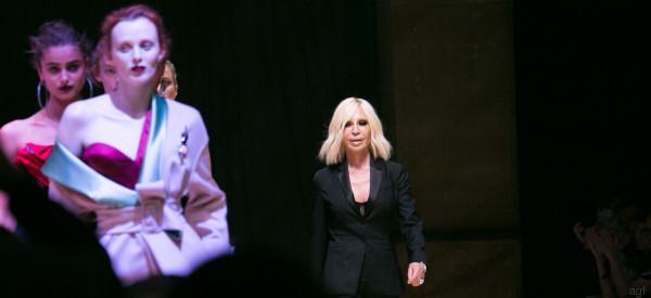 Donatella snobba Parigi: