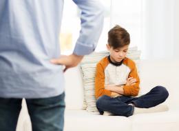 الازدراء علامة على الحب.. 5 أكاذيب يردِّدها الآباء النرجسيون تدمِّر أطفالهم نفسياً