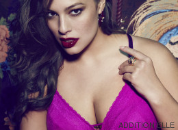 La bombe Ashley Graham frappe encore pour la Saint-Valentin