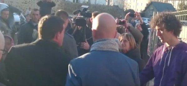 La reacción del guardaespaldas de Manuel Valls cuando dan un tortazo al político