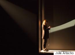 «SIRI»: l'assistante personnelle d'Apple converse en direct au théâtre