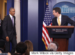 백악관 대변인을 위한 오바마의 '서프라이즈' (영상)