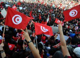 نور الثورة في قلوب التونسيين هل لا يزال حياً؟
