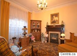 Cette maison à vendre sur le Plateau-Mont-Royal vous rendra mal à l'aise
