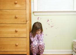 الضرب ممنوع تماماً.. 4 طرق لمعاقبة الطفل دون إيذائه