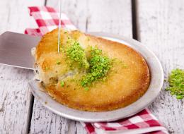 يُمكنك إعدادها مثل المطاعم الفاخرة.. إليك طريقة عمل الكنافة بالجبنة