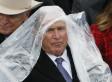 George W. Bush lotta con il suo poncho e Internet lo ama