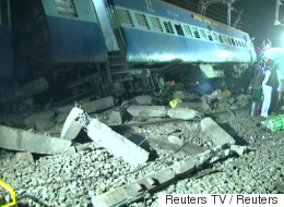 인도에서 고속열차 탈선 사고가 발생했다