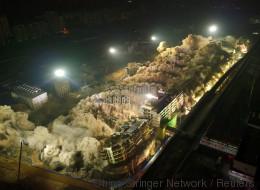 19 immeubles détruits en 10 secondes en Chine