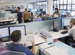كيف يؤثر لباس الموظفين على المؤسسات التي يعملون بها