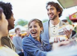 بعيدًا عن امتلاك المال.. العلماء يحددون 5 صفات شخصية يتمتع أصحابها بالسعادة