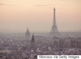 Paris veut bannir les voitures polluantes avec des autocollants colorés
