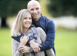 كيف ينظر الرجل إلى احتفاظ زوجته باسم عائلتها بعد الزواج؟