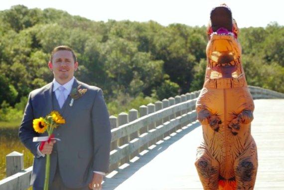 novia tiranosaurio