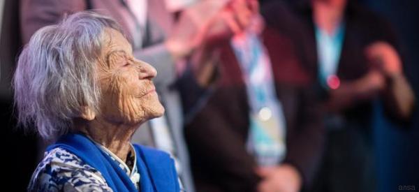 E' morta a 106 anni l'ex segretaria del ministro nazista Goebbels