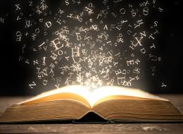 قراءة الكتب أم قراءة البشر