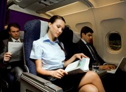 اصطحب مجلةً تافهة.. 7 نصائح للحصول على رحلة طيران مريحة وممتعة