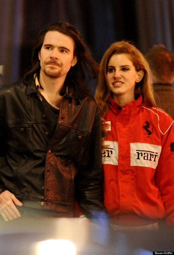 Lana Del Rey Steps Out With Rumored Boyfriend Barrie James ...