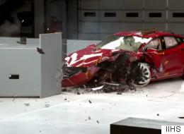 Tests de sécurité: la Tesla Model S n'obtient aucune mention de l'IIHS