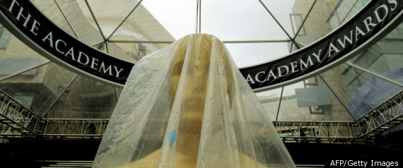 OSCARS STATUE RAIN 2012