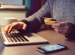 هل تظن أن التسوق عبر الانترنت أرخص؟ دراسة جديدة تثبت خطأ هذه النظرية