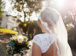 لا تقلقي بشأن مقاس فستان الزفاف.. هكذا تفقدين الوزن في