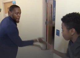 شاهد: مدرس يبتكر طريقةً جديدةً ومثيرة لتحفيز تلاميذه على الدراسة