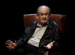 سلمان رشدي يتنبأ بمستقبل أميركا في عهد ترامب.. رواية جديدة ترسم ملامح النظام العالمي