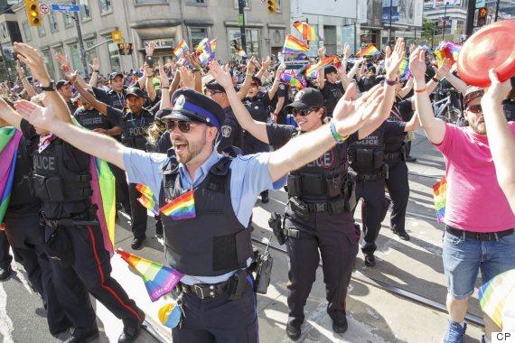 toronto pride parade 2016 police