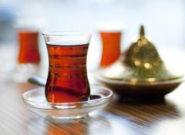 كيف تم اختراع الشاي وما أنواعه؟