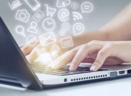 أكثر من نصف البيانات على الإنترنت لا يأتي من البشر.. كلمة السر
