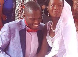 زوجان كينيان أنفقا دولاراً واحداً في حفل زفافهما.. فحصلا على مكافأة فخمة