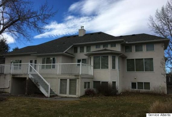 high river home auction