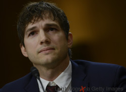 Schauspieler Ashton Kutcher hält eine Rede vor dem US-Senat - und beginnt zu weinen