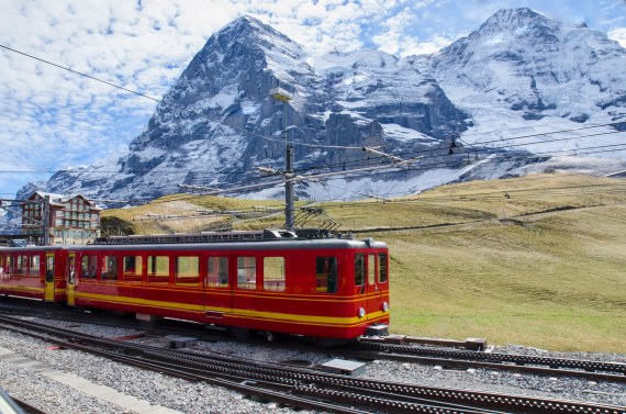 swiss train jungfrau