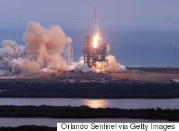 Επιτυχής η εκτόξευση του πυραύλου Falcon 9 της SpaceX από το Κέιπ Κανάβεραλ