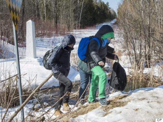 RCMP intercepts 22 asylum seekers overnight in Manitoba