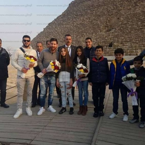 messi in the pyramids