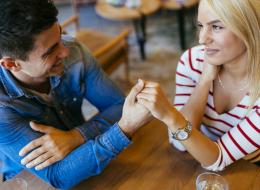 مفاجأة: الرجال يقعون في الحب أسرع.. والسر في قدرات النساء الجنسية