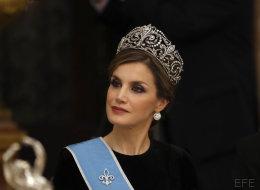 Letizia se pone por primera vez una tiara de reina: la Flor de Lis, la gran joya de la corona española